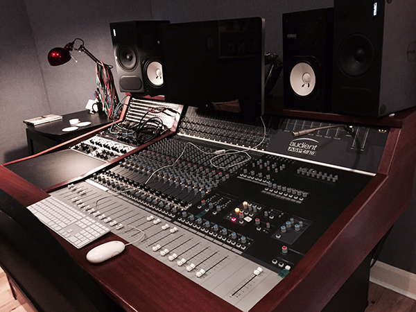 Ravenscourt Studio Audient 4816 available from Kazbar Systems
